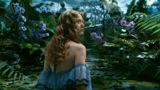 Tim-Burton-s-Alice-In-Wonderland-alice-in-wonderland-2010-13677650-1360-768